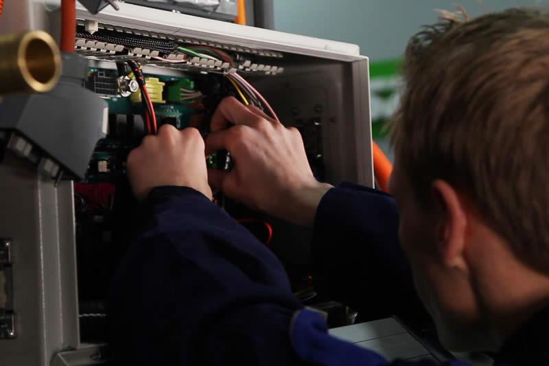 Eerste Monteur Elektrotechnische Installaties