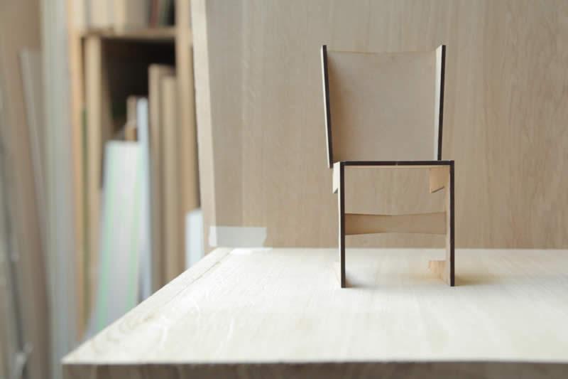 Ontwerpend meubelmaker