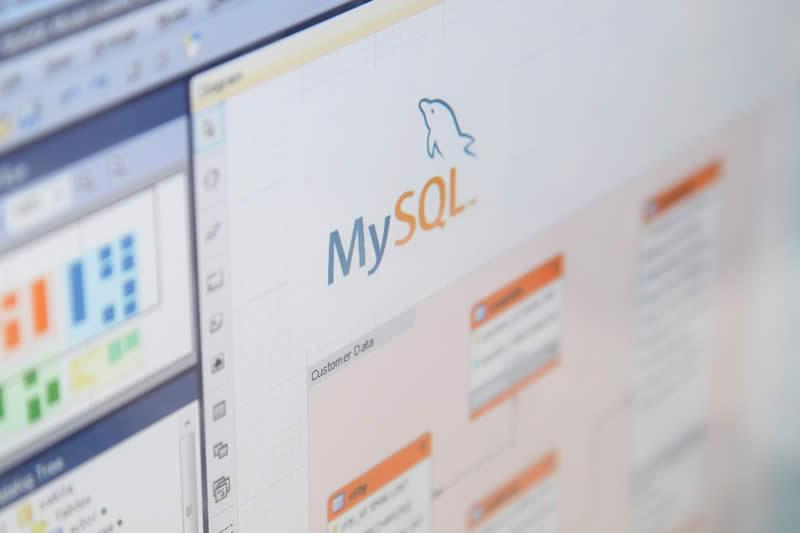 MySQL, SQL